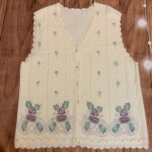 Vintage sweater vest floral embroidered pearls